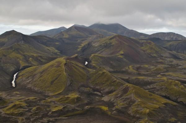 Utsikt fra Midtfjellet sørover.  Rudolftoppen i skyene.